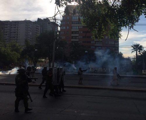 """""""Camina, maraca conchxxxxxxxx"""": La guerra de Piñera contra su propio país"""